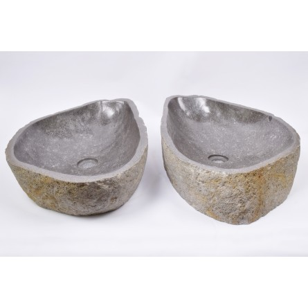 A PAIR OF TWO WASHBASINS - RSB3 61 INDUSTONE