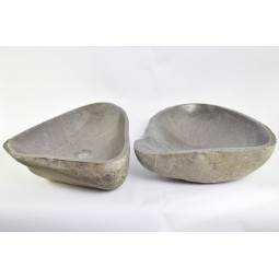 A PAIR OF TWO WASHBASINS - RSB2 12 INDUSTONE