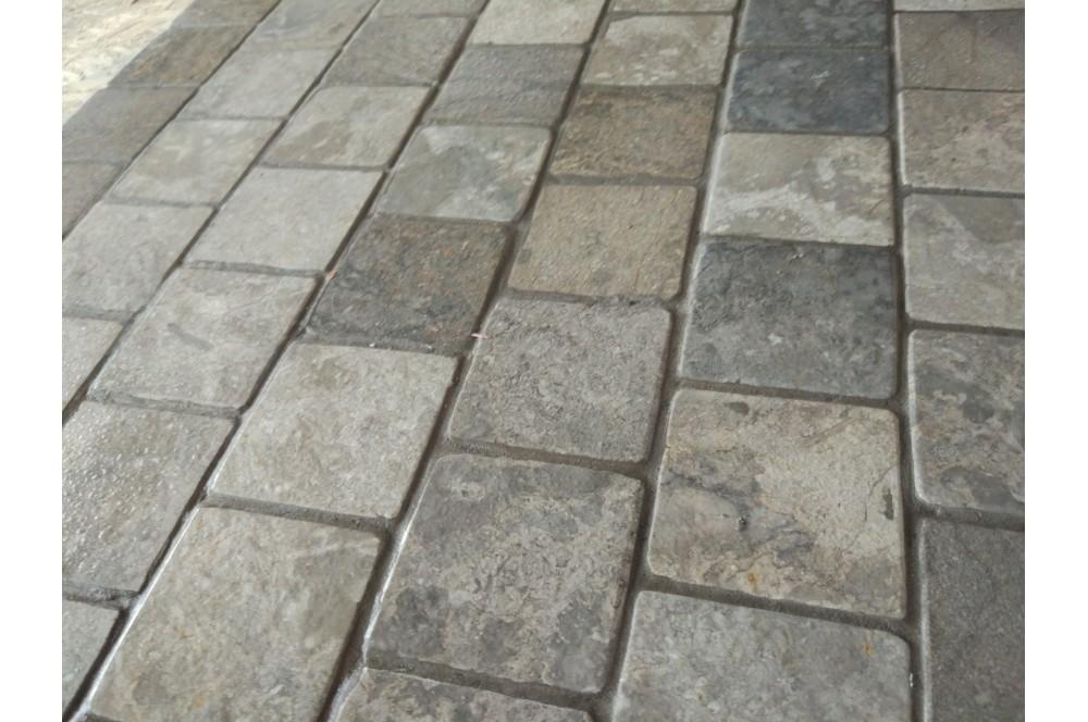 Kolejna aranżacja klienta InduStone. Mozaika na tarasie i klatce schodowej